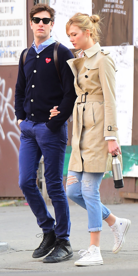 EXCLUSIVE: Karlie Kloss Crosses Paths with Kal Penn as she Takes Romantic Stroll with boyfriend Joshua Kushner