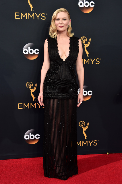 LOS ANGELES, CA - SEPTEMBER 18: Actress Kirsten Dunst attends the 68th Annual Primetime Emmy Awards at Microsoft Theater on September 18, 2016 in Los Angeles, California. (Photo by Alberto E. Rodriguez/Getty Images)
