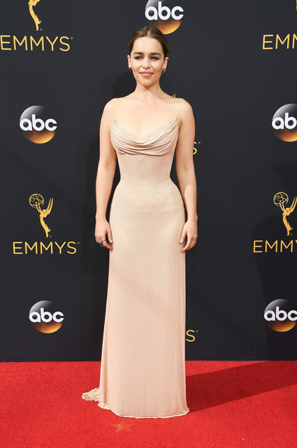 LOS ANGELES, CA - SEPTEMBER 18: Actress Emilia Clarke attends the 68th Annual Primetime Emmy Awards at Microsoft Theater on September 18, 2016 in Los Angeles, California. (Photo by Frazer Harrison/Getty Images)
