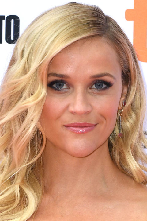 hbz-sexy-hairstyles-reese-witherspoon