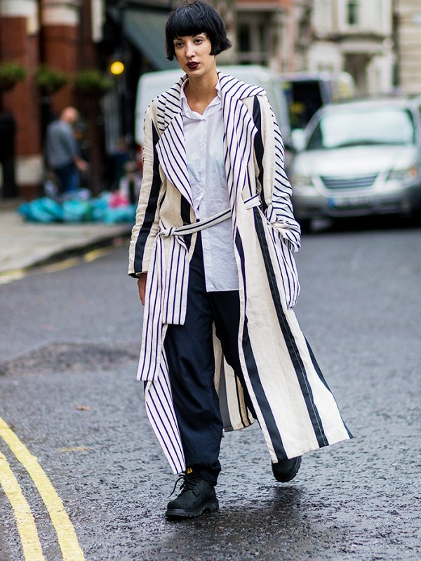 the-latest-street-style-from-london-fashion-week-1906868-1474099591600x0c