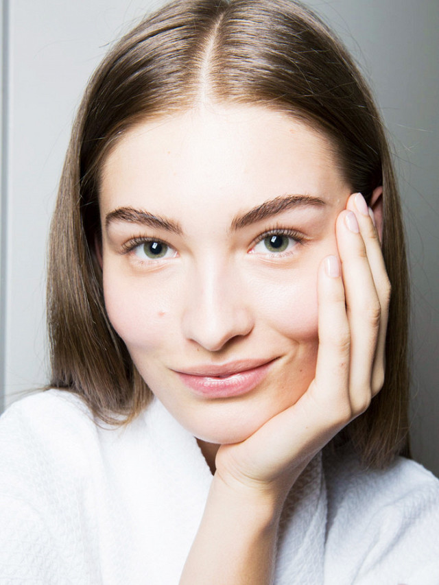 10-beauty-mistakes-that-are-making-you-look-older-1925790-1475575846640x0c