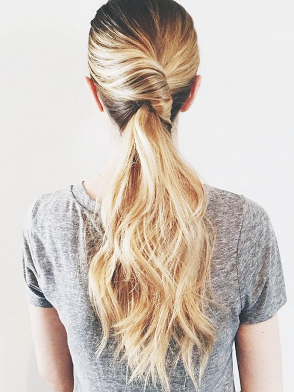 3-fascinating-ways-to-french-twist-your-hair-in-under-1-minute-1944303-1476897967600x0c