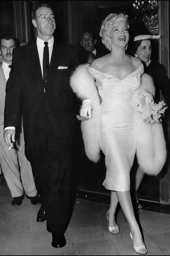 joe-dimaggio-and-marilyn-monroe_glamour_15oct15_gettyimages-b_592x888
