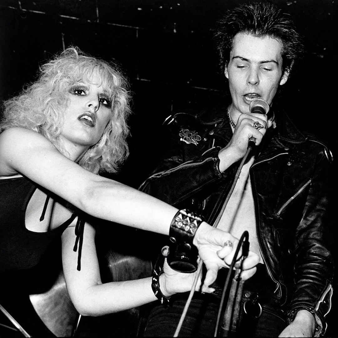 sid-vicious-and-nancy-spungen_glamour_8oct15_getty_b_1080x1080
