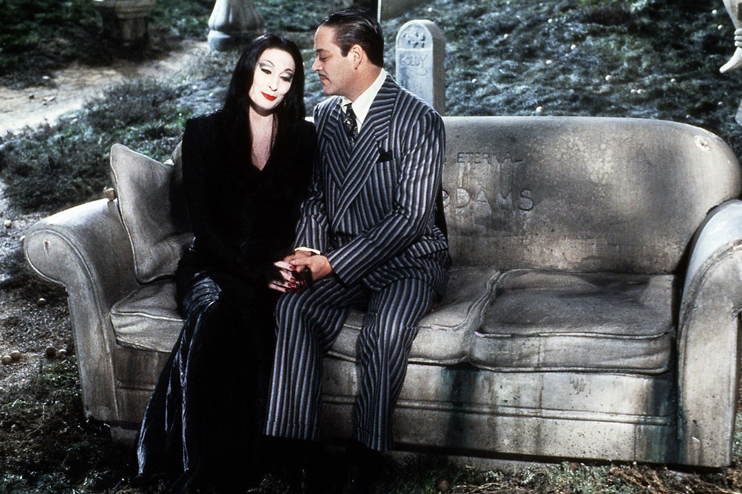 addams-family-glamour-6oct16-tm-copyright-2015-by-paramount-pictures-pixar-_1080x720